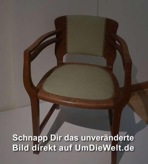 Deutschland reisebericht permanentausstellung for Armlehnstuhl speisezimmer