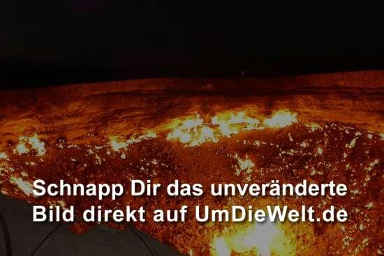 "... in der Nacht ""Door to Hell"""