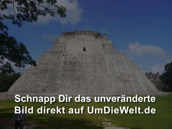 Uxmal, Pyramide des Wahrsagers (Zauberers).