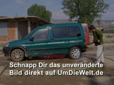 Autowäsche in Perrenjas