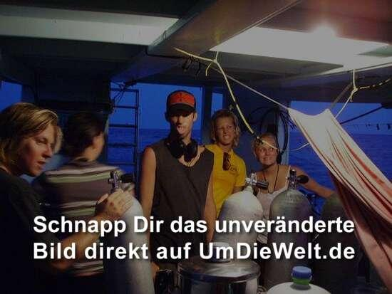 Warum muss Jay IMMER jedes Photo ruinieren?? Equipment set-up vor'm Night Dive