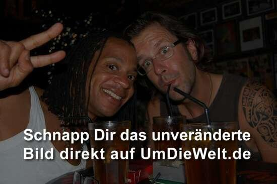 Mit Ron in der Reggae Bar.