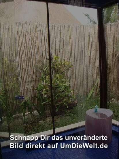 Sichtschutz F?r Dusche Im Freien : Unsere hammer Dusche im Freien. Es hat nur Mosquitonetze rundherum und