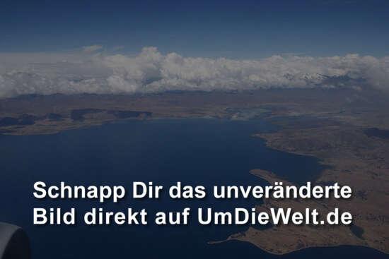 Weil's so schön ist: Noch ein Foto vom Titicaca-See.