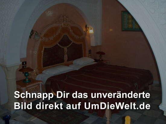 riesiges Doppelbett