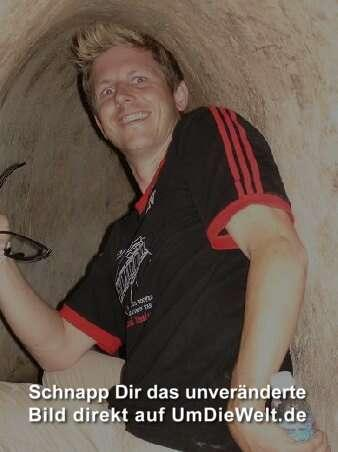 ...der Blitz blendet...eigendlich war es im Tunnel stockdunkel...