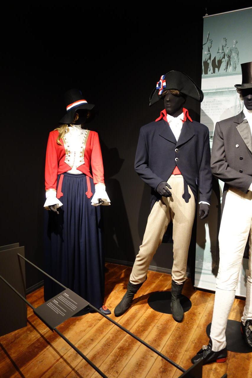 Deutschland Reisebericht Leute Machen Kleider 1000 Jahre Mode